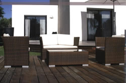 Outdoor furniture in synthetic fiber