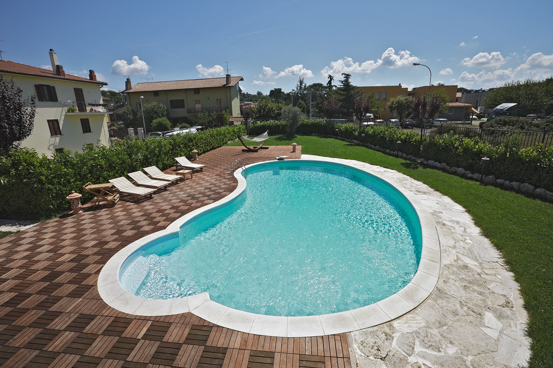 Piscine seminterrate in acciaio for Vendita piscine interrate prezzi