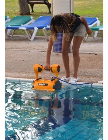 Electronic robotic pool cleaner Dolphin Wave 30- Brushes Kanebo
