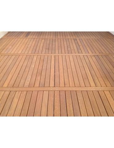 Puzzle wood platform in Ipe