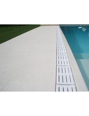 Griglia in pietra per bordo sfioro piscina