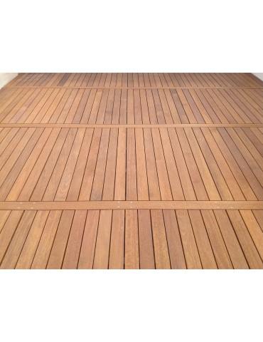 Pavimentazioni in legno IPE' o TEAK per piscina