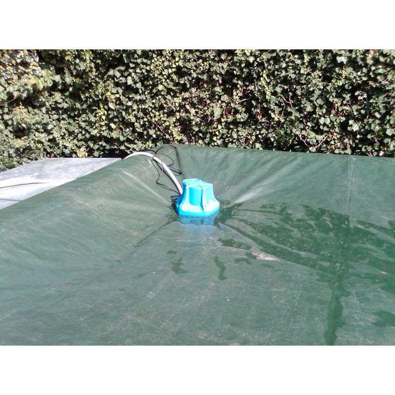 Pompa sommersa per svuotamento del telo di copertura for Teli invernali per piscine intex