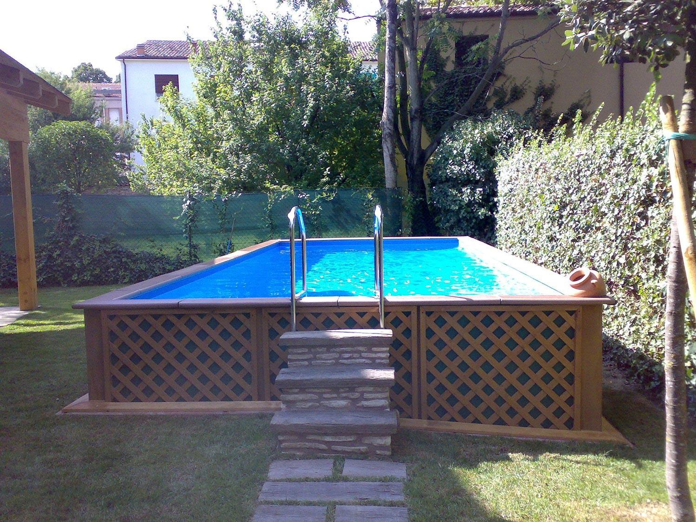 Giardini con piscine fuori terra ur62 regardsdefemmes - Piscine fuori terra con solarium ...